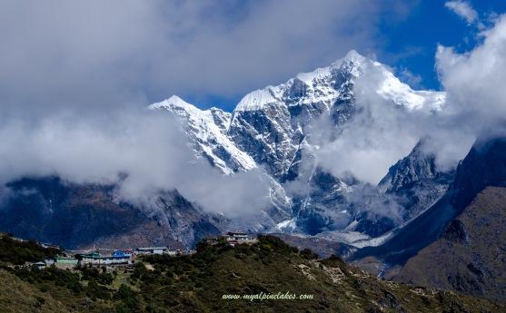 Mong la in front of Taboche Peak