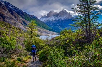 Heading towards the Cuernos peaks